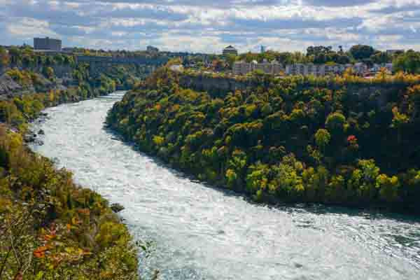 Niagara Falls in autumn #3_edited-1